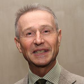 Dr. Van den Bergh Andre