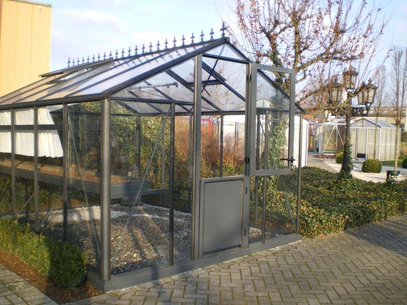 Aluminum greenhouse